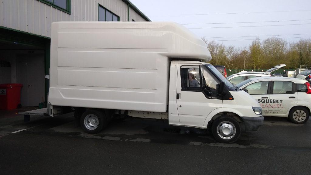 Squeeky Luton Delivery Van